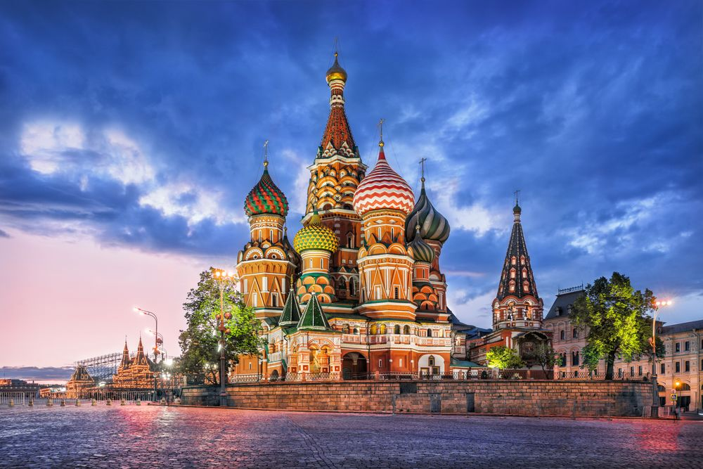 Spend a day to experience the historical and cultural beauty of Moscow